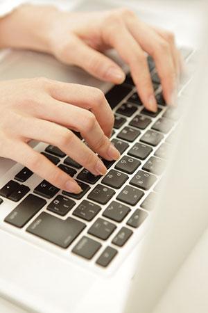パソコン使用可インターネット接続無料